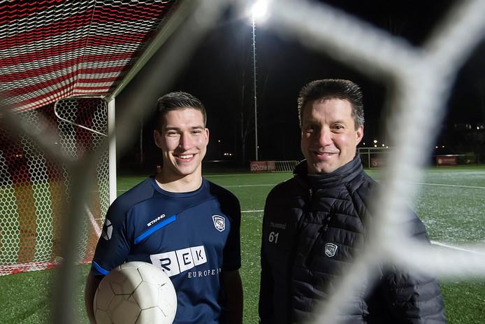 Vader Albert is leider van Madese Boys, zoon Kevin speelt in het eerste elftal.