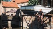 """Expo 'Time is on my side' strijkt neer in Tongeren: """"125 kilo bronzen confetti en een boot boven de Jeker moeten mensen opnieuw hoop geven"""""""