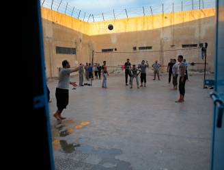 """""""Turkse troepen bestoken gevangenis waar 'de meest gevaarlijke' strijders van IS zitten"""""""
