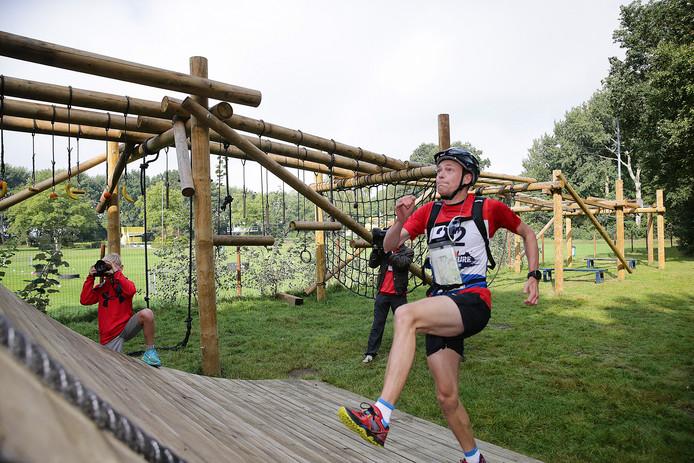 Deelnemers van de Biesbosch Challenge in actie tijdens de editie van vorig jaar.