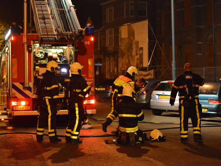 Flinke brand in gebouw bij Heilig Hartkerk aan Baronielaan in Breda