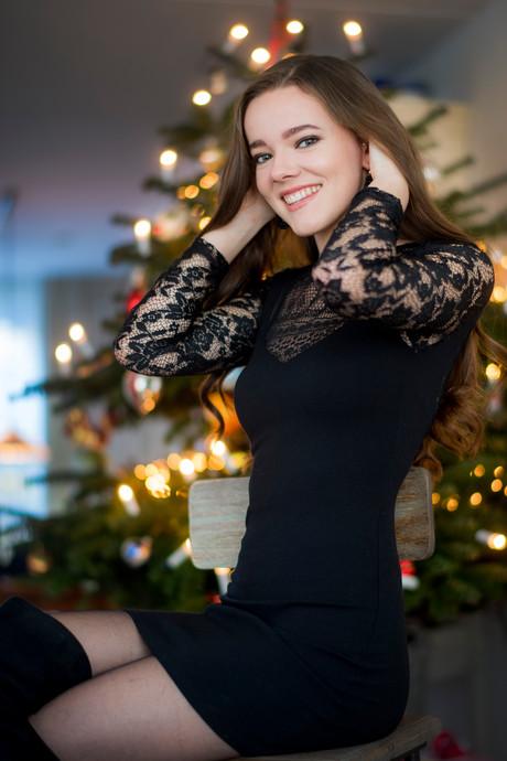 Van Beyoncé tot de Beatles, Tielse Myrthe zingt de komende kerstdagen op bijna elk feestje