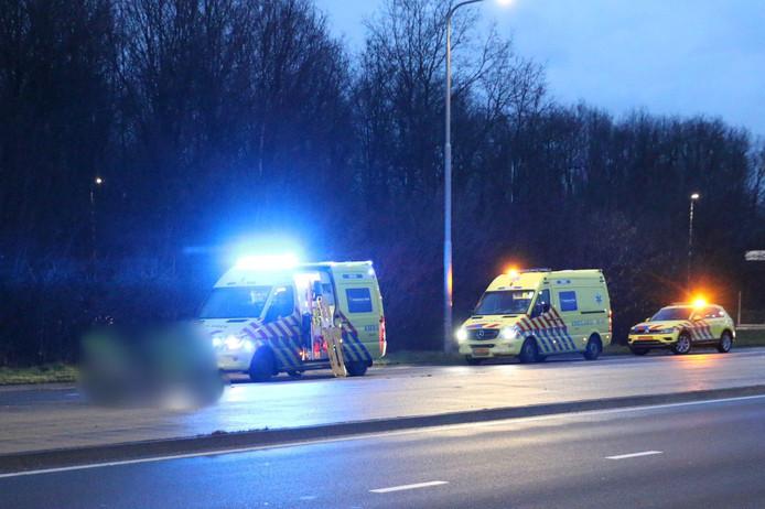 Drie ambulances snelden naar de plek van het ongeval toe.