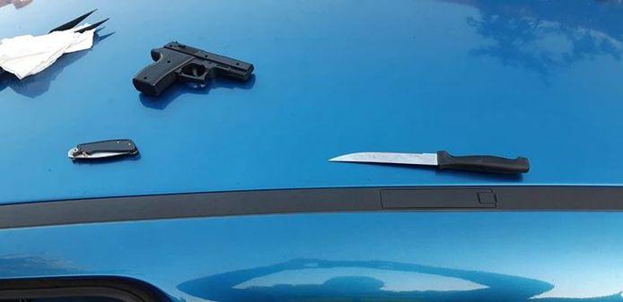 De gevonden wapens in Loon op Zand.