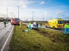 Auto belandt in sloot op Park Forum in Eindhoven