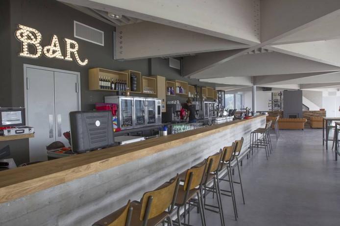 De royale bar van Oranje-Rood.