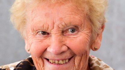 """Yvonne (89) overleden aan corona: """"Moeder testte drie keer negatief, maar de vierde keer was plots positief"""""""