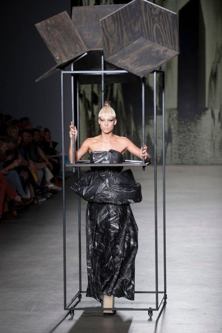 De jurk van Marga Weimans. Beeld Geert Snoeijer.