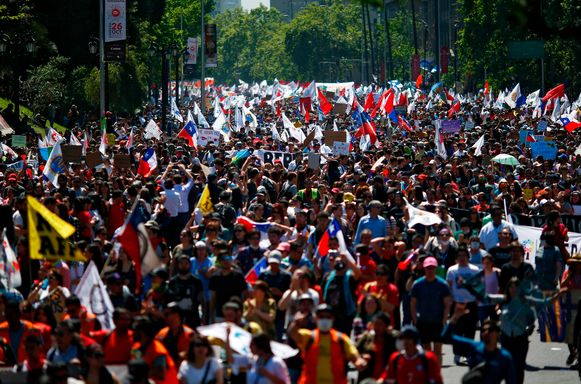 Betogers in hoofdstad Santiago.