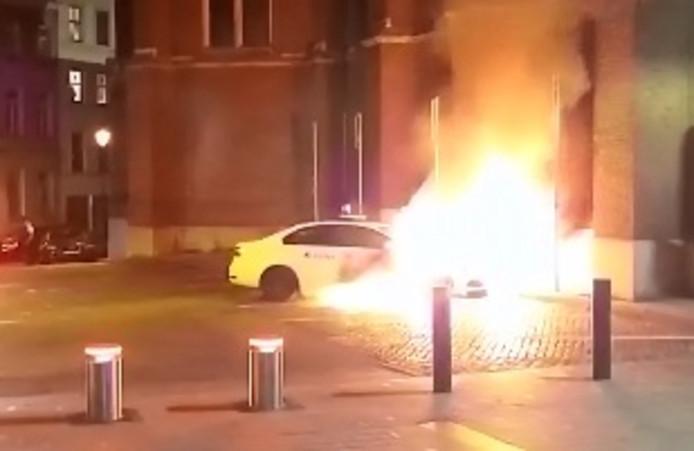 Véhicule incendié à Saint-Gilles