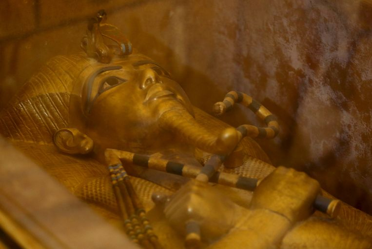 De gouden sarcofaag van farao Toetanchamon.