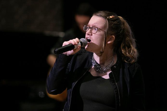 De band Crush met zangeres Nina van der Zanden was gisteren de slotact op het Fringel Festival On Tour.
