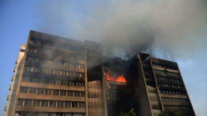 Arbeider sticht vermoedelijk brand in textielfabriek in Bangladesh