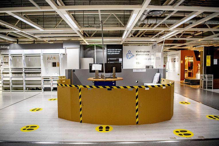 Ikea nam in haar vestigingen uitgebreide voorzorgsmaatregelen.  Beeld EPA
