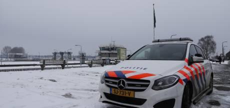 Schipper mist matroos op Maas bij Sambeek, vermiste wordt kilometers stroomopwaarts gevonden