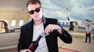 Gilbert vliegt in luxe de wereld rond dankzij foutjes van vliegmaatschappijen. En zo kan jij dat ook