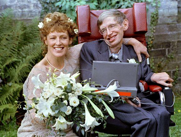 Stephen Hawking en Elaine Mason op hun trouwdag.