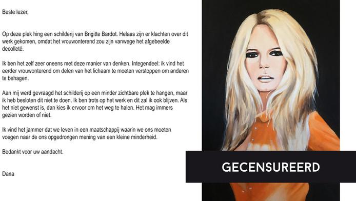 Het gecensureerde werk van kunstenares Dana Bos, met de verklarende tekst .