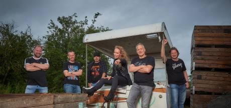 'CDA-babe' nieuwe zangeres van de Marshalls uit Haaksbergen