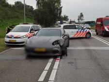 Twee auto's botsen voor verkeerslicht in Lichtenvoorde