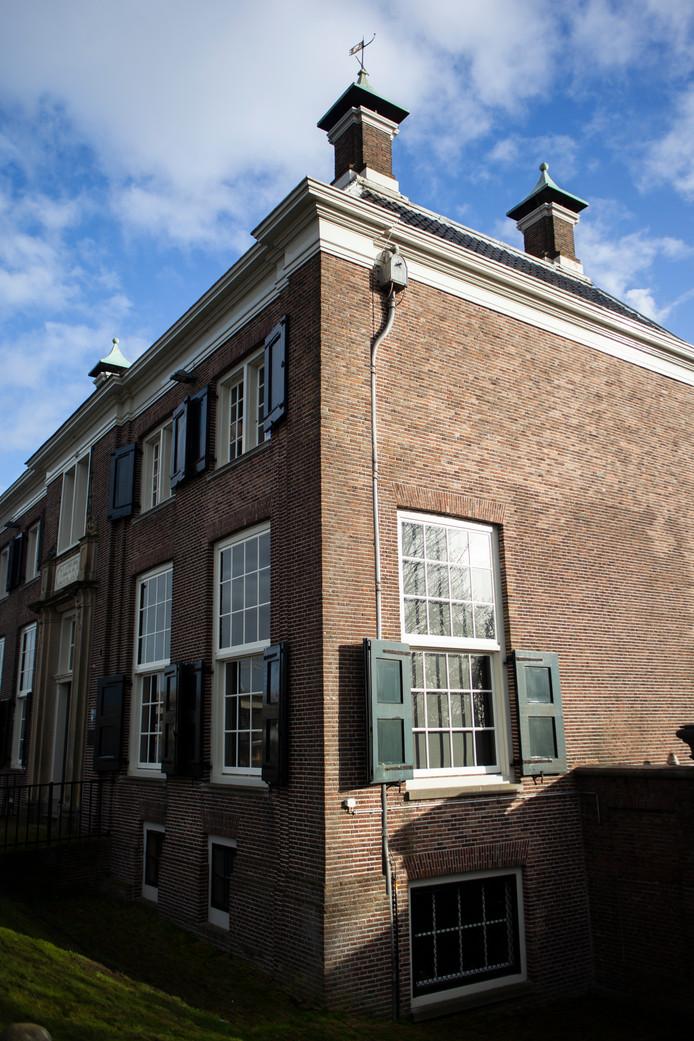 Op 20 juli zochten we het Gemeenlandshuis aan de Diemerzeedijk in Amsterdam-Oost, gebouwd in 1727 voor het 'Hoogheemraadschap van den Zeeburg en Diemerdijk'. Winnaar is Annerieke van der Roest, wiens oma nog in het huis heeft gewoond.