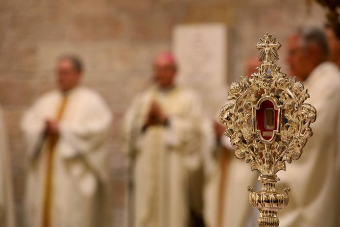 Het stukje hout is door paus Franciscus geschonken aan de Catharinakerk in Bethlehem