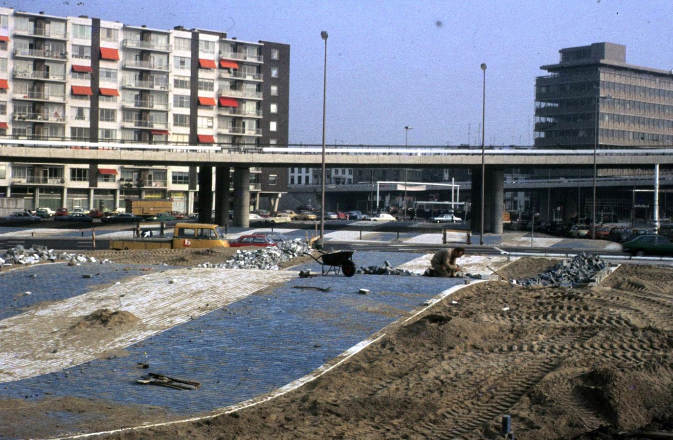 De 'Blauwe golven' bij de aanleg in 1978.