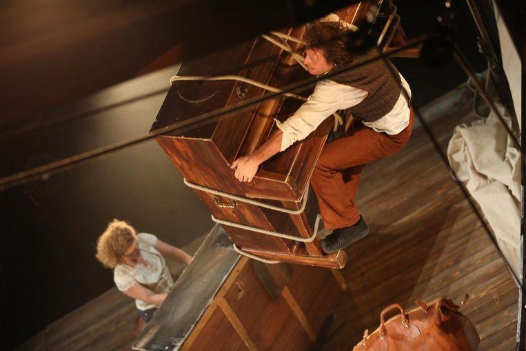 Sol Bémol van Compagnie d'Irque & Fien combineert piano en acrobatie.