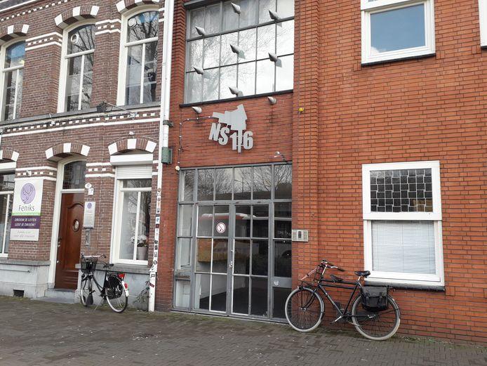 NS16 , kunstenaarsbolwerk aan het NS-plein wordt een broedplaats. Stichting Ateliers koopt het pand.