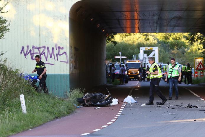 Twee motorrijders kwamen om in de Meeuwentunnel bij Ooltgensplaat