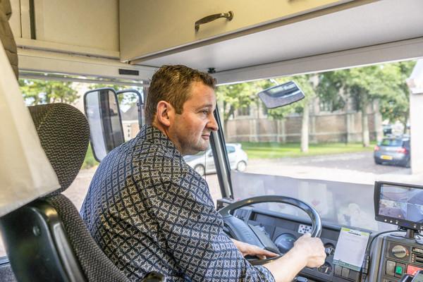 Arco Pieper (43) rijdt al sinds zijn achttiende in de groentewagen.