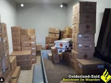 Politie vindt 1900 kilo illegaal vuurwerk in Culemborgse garagebox