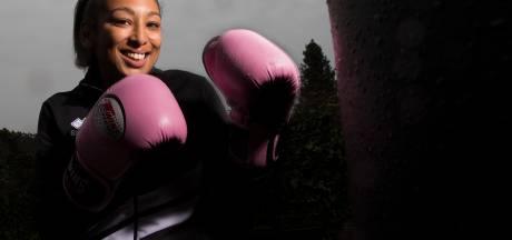 Annie geeft bokscursussen aan hulpverleners: 'Je moet niet gaan slaan als het moeilijk wordt'