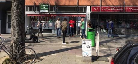 We Are Here-vrouwen kraken pand in Eerste van Swindenstraat