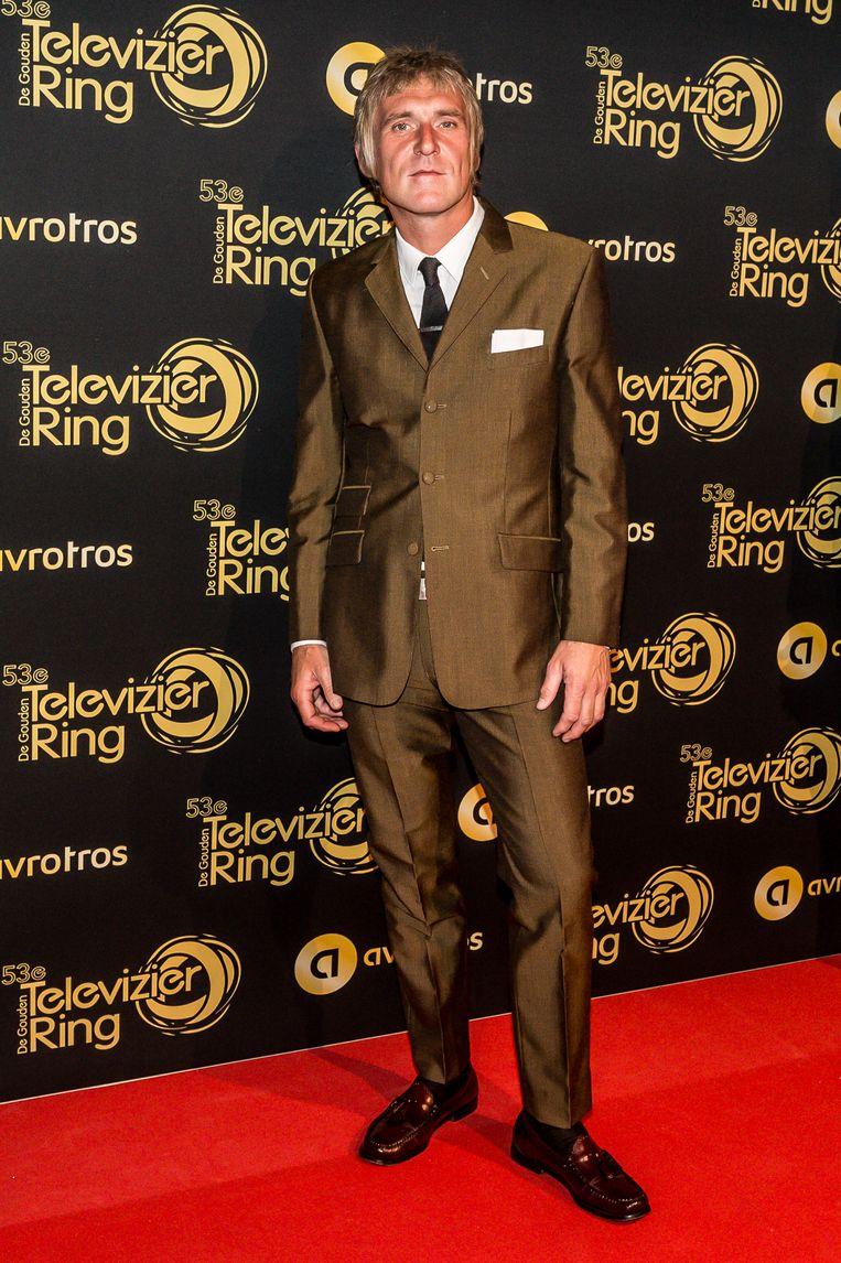 Phil Tilli tijdens de inloop op de rode loper bij het Gouden Televizier Ring Gala. Beeld Hollandse Hoogte / Patrick Harderwijk