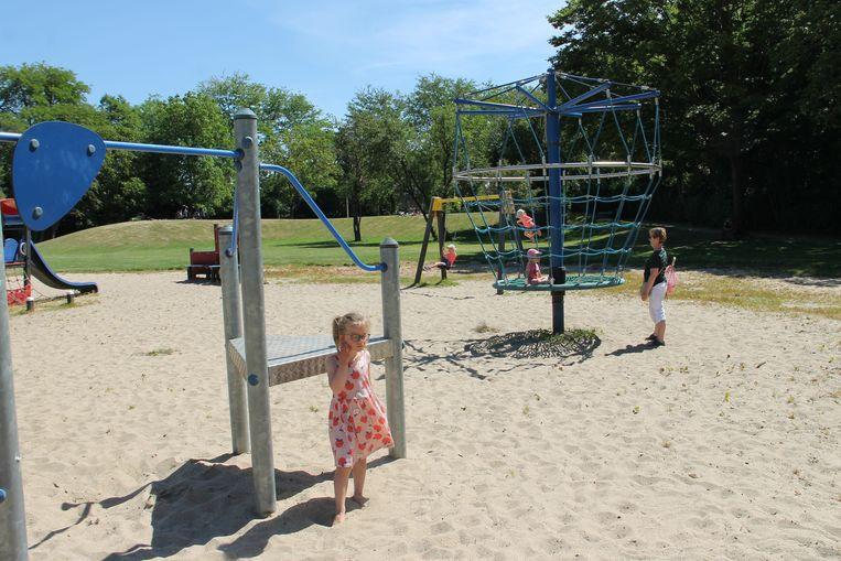 De speelpleinen mochten overal terug open en dat zorgde voor heel wat blije gezichten. Ook in Izegem, zoals hier op speelplein De Krekel.