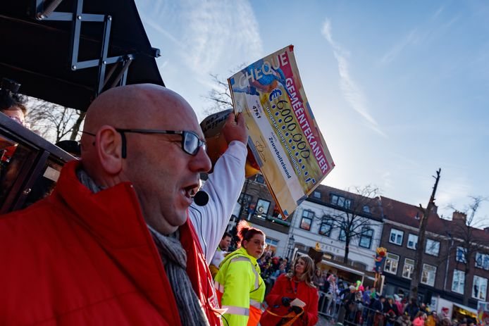 Zevenbergen - 5-3-2019 - Foto: Pix4Profs/Marcel Otterspeer - De grote optocht van ut Zeuvebultelaand. Gaston kwam 6 miljoen brengen naar ut Zeuvebultelaand.