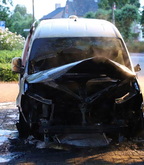 Bedrijfsbus in brand in Schijndel
