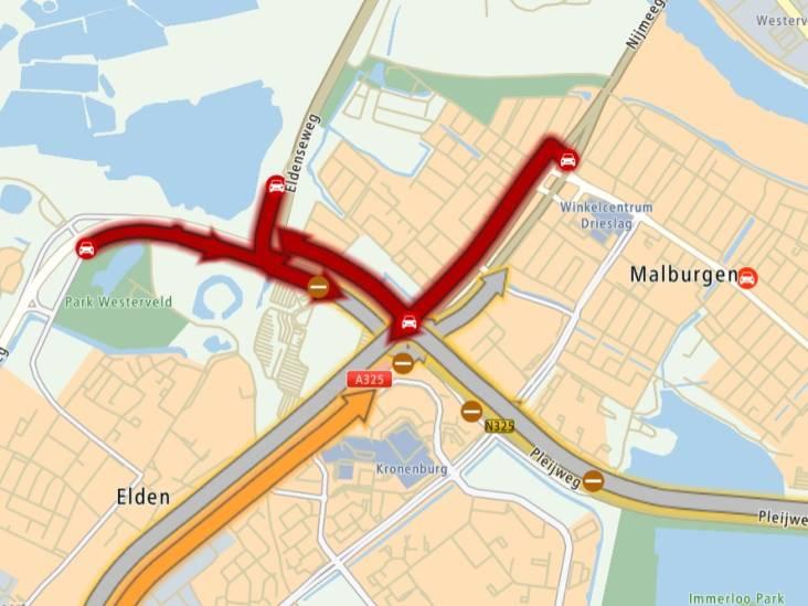 Chaos en irritatie: ochtendspits rijdt zich vast op Nijmeegseplein in Arnhem