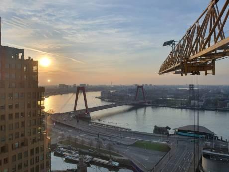 Pure magie: zonsopkomst in Rotterdam vanuit bouwkraan van 100 meter