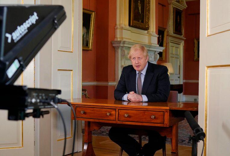 De Britse premier Boris Johnson kondigde gisteren de eerste, zeer voorzichtige versoepelingen in de lockdown aan.