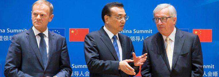 EU-president Donald Tusk, Chinese premier Li Keqiang en Europese Commissievoorzitter Jean-Claude Juncker. Beeld epa