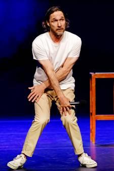 'Onmenselijke' Javier staat zes uur op de bühne voor 150 man: 'Allesbehalve lullig'