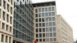 Te duur: ramen justitiepaleis Brussel al twee jaar niet gelapt