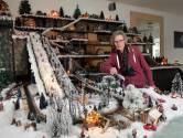 Reuma dwingt Marion (67) na 40 jaar te stoppen met haar kerstdorp: 'Het wordt te gevaarlijk'