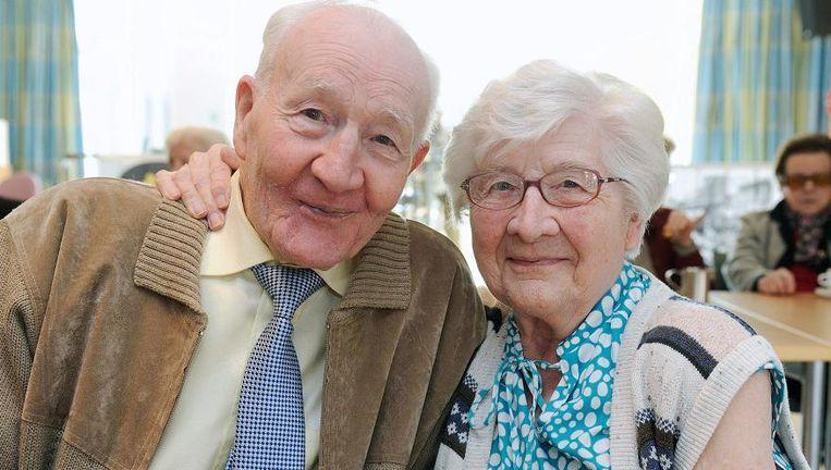 Oud-wielrenner Jean Bogaerts enkele jaren geleden met zijn oudere zus Marie.