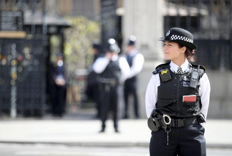 De Metropolitan Police in Londen kondigde gisteren aan een onderzoek te hebben gestart naar het lek van diplomatieke memo's dat geleid heeft tot het ontslag van de Britse ambassadeur in de Verenigde Staten.
