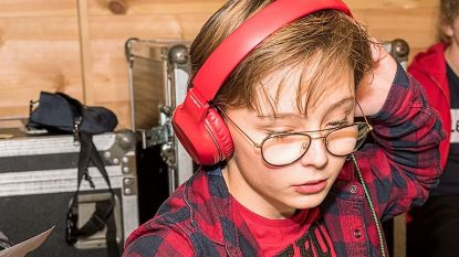 Zin in ambiance thuis? 13-jarige dj draait straks live plaatjes op Facebook