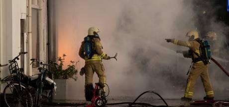Zutphenaar (50) aangehouden voor bedreiging van agenten tijdens woningbrand in centrum