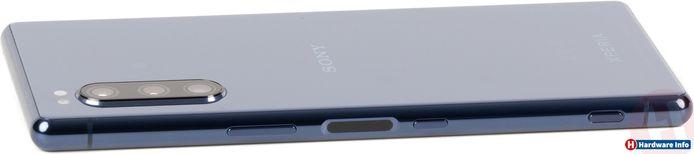 De achterzijde van de Sony Xperia 5